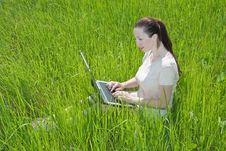 Free Beautiful Girl Setting Outdoor With Laptop Summer Royalty Free Stock Images - 14929419