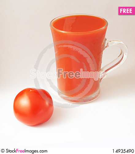 Free Red Tomato And A Glass Of Tomato Juice Stock Photo - 14935490