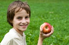 Free Boy With Red Apple Royalty Free Stock Images - 14930889