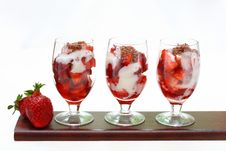 Free Dessert With Strawberries Stock Photos - 14932013