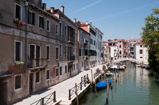 Free Canals Of Venice Royalty Free Stock Photos - 14933658