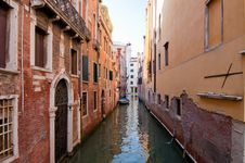 Free Canals Of Venice Royalty Free Stock Images - 14933699