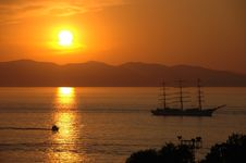 Sunset In Gulf With Yacht Royalty Free Stock Images