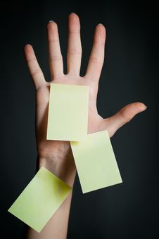 Free Female Hand With Blank Note Stock Photography - 14934982