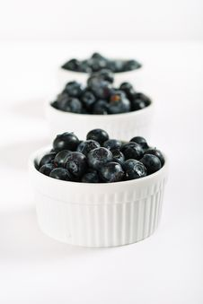 Free Organic Blueberries In A Line Royalty Free Stock Image - 14935136