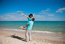 Free A Couple On Beach Royalty Free Stock Images - 14935649