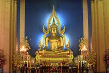 Free Statue Of A Gold Buddha Stock Photo - 14945450