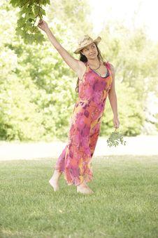 Free Woman Walking Stock Image - 14948501