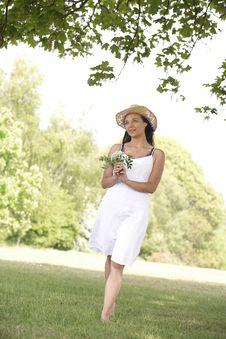 Free Woman Walking Stock Photo - 14949280