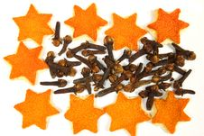 Free Orange Peels And Cloves Royalty Free Stock Images - 14949319