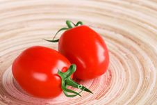 Free Two Tomatoes Royalty Free Stock Photography - 14951307