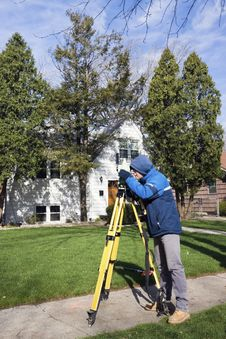 Free Surveyor Working With Theodolite Royalty Free Stock Image - 14955646