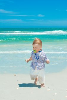 Free Child On A Beach Royalty Free Stock Photography - 14957637