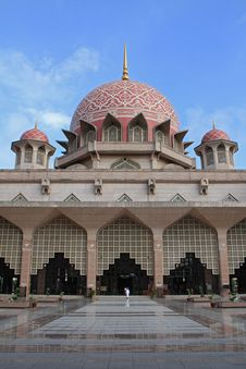 Free Putrajaya Mosque Stock Photo - 14958990