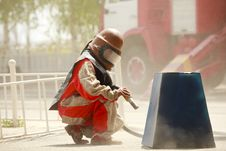 Free Worker In A Protective Suit Spraying Sand Royalty Free Stock Photography - 14959177
