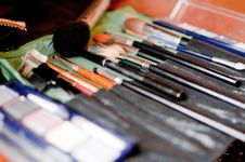 Free Cosmetic Brushes Royalty Free Stock Photos - 14960338