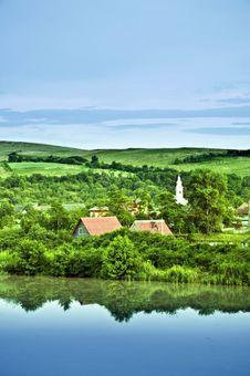 Free The Lake Village Royalty Free Stock Image - 14962796