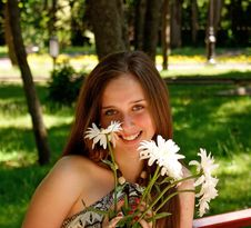 Free Young Pretty Female In Solar Urban Park Royalty Free Stock Photo - 14964135