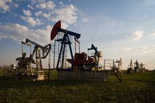 Free Oil Pump At Sunset Stock Image - 14964221