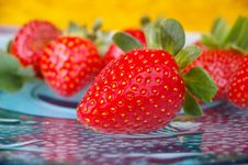 Free Strawberries Royalty Free Stock Images - 14971219