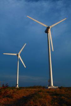 Free Modern Wind Turbine Stock Photography - 14972612