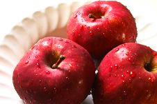 Free Red Apple Royalty Free Stock Photos - 14972818