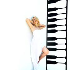 Free Beautiful Girl Next To Drawn Keyboard Stock Image - 14983991