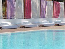 Free Swimming Pool Royalty Free Stock Photo - 14984775