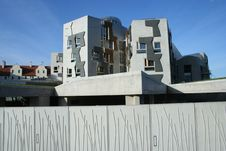Free Scottish Parliament View Behind Clear Skies Stock Images - 14985104