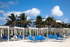 Free Beach Beds Royalty Free Stock Photos - 14985548
