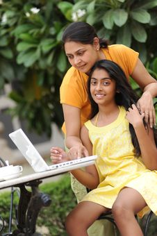 Free Loving Mother And Daughter With Laptop Outdoors Royalty Free Stock Photo - 14987715