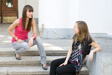 Free Two Female Friends Royalty Free Stock Photos - 14989858