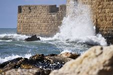 Wave Hitting Catle Walls Royalty Free Stock Images