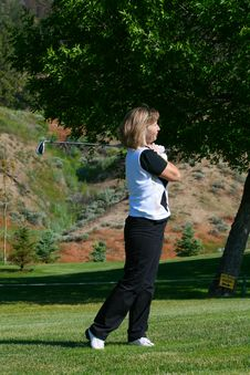 Free Female Golfer Royalty Free Stock Photos - 14996328