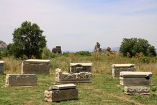 Free Ephesus Tombs Royalty Free Stock Images - 14996469