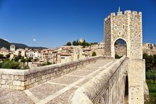 The Old Medieval Town Of Besalu Stock Photos