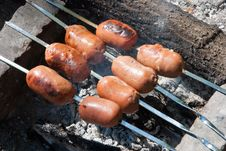 Free Sausages Are Prepared On The Fire Stock Photography - 14998562