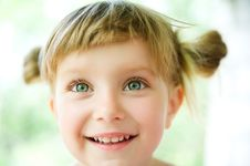 Free Close-up Portrait Of A Girl Royalty Free Stock Image - 14999156