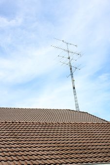 Free An Antenna On The Roof. Stock Photos - 14999853