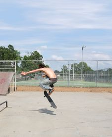 Free Skateboarder At Park Royalty Free Stock Photos - 152288