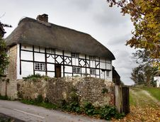 Free Thatched Village House Royalty Free Stock Photos - 1500608