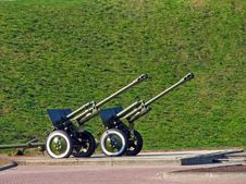 Free Two Cannons Royalty Free Stock Photography - 1506367