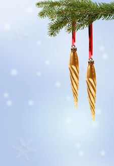 Free Gold Christmas Ornament On Branch Stock Photography - 1507122