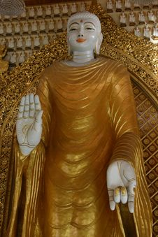 Free Burmese Standing Buddha Royalty Free Stock Photography - 1508747