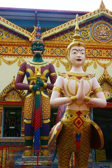 Free Thai Temple Statues Royalty Free Stock Photography - 1508757