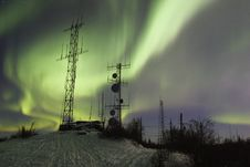 Free SCientific Antennas Under Night Sky With Northern Lights Royalty Free Stock Photos - 1509008