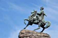 Free Bronze Monument In Kiev Stock Photography - 15005522
