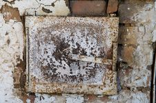 Free Door Of The Old Furnace Royalty Free Stock Photo - 15006405