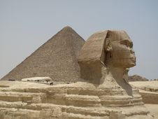 Free Sphinx And Great Pyramid Stock Image - 15006601