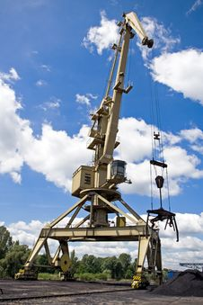Free Crane At A Dock With Blue Sky Stock Photo - 15008350